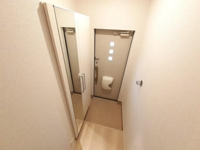 【玄関】レフィナードA
