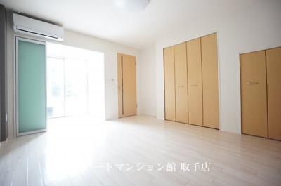 【居間・リビング】フォーレストガーデン