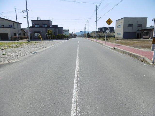 【前面道路含む現地写真】平川市猿賀南野土地温泉権