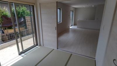 用途多彩のリビング横和室♪ 新築戸建の事はマックバリュで住まい相談へお任せください。