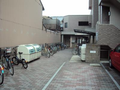 【エントランス】エレガント鴨川B棟