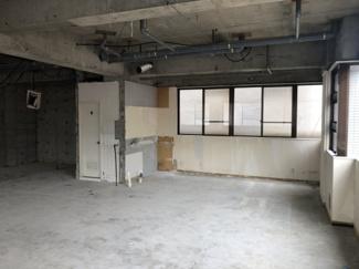 【内装】Aスタービル2階