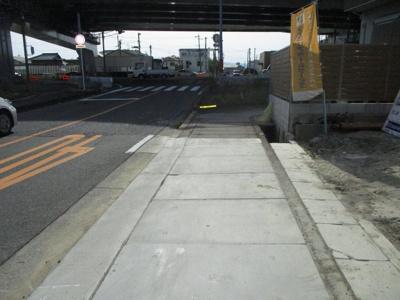 前面道路含む現地写真(2021年5月撮影)