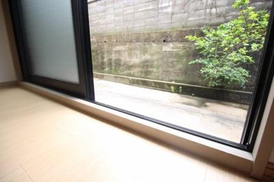 【バルコニー】エスポアール稲荷
