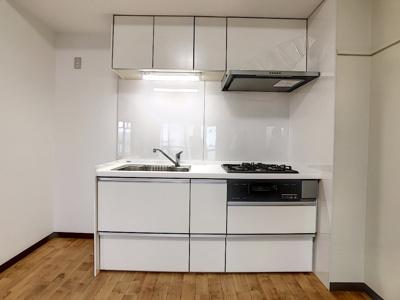【キッチン】富任シーコーポラス6号棟 10号室