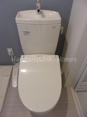 ハーモニーテラス西加平のゆったりとした空間のトイレです