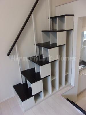 ハーモニーテラス西加平の収納付き階段☆