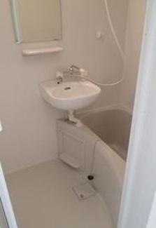 【浴室】《高積算!2016年築!》横浜市鶴見区東寺尾東台一棟アパート