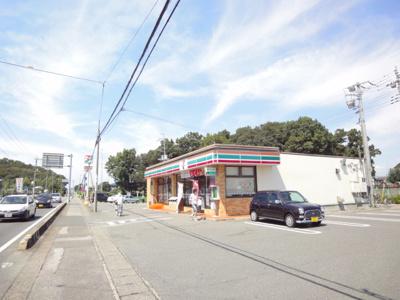 セブンイレブン内ケ島店まで195m