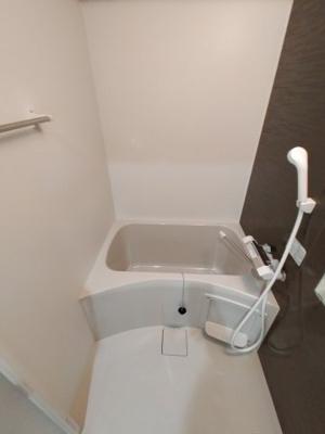 【浴室】メルベージュ布施