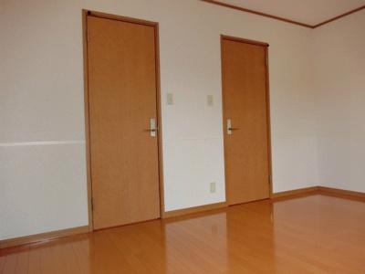 2階・ウォークインクローゼットのある洋室7.6帖のお部屋です!荷物の多い方も安心の収納力です!