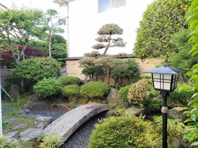 【庭】鳥取市田園町3丁目 事務所付き中古住宅