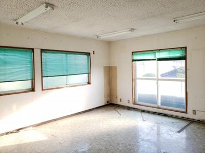【駐車場】鳥取市田園町3丁目 事務所付き中古住宅