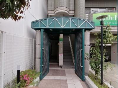 【エントランス】ロイヤル高槻 (株)Roots