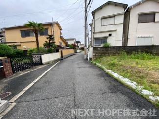 前面道路と現地です♪静かな住宅地です(^^)