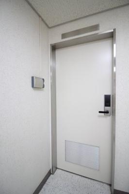 【玄関】東洋ビルディング