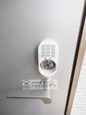 玄関ドア!鍵はもちろん、お手持ちのスマホ・交通系ICカード・テンキーでもらくらく開錠できます♪同一仕様写真