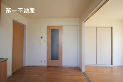【居間・リビング】トワベール 南山A
