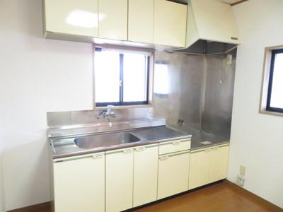 【キッチン】ヨコカワハイツ2F