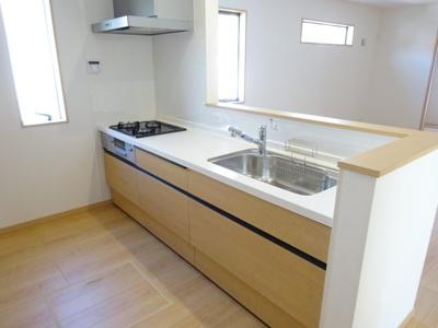 同一タイプ他物件 キッチン※実際はIHクッキングヒーター仕様のシステムキッチンです