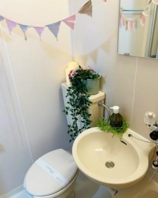 バスルームにあるトイレです!水廻りのお掃除が一気にできちゃいますね☆