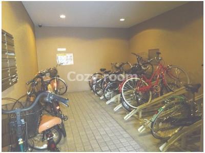 自転車やバイク置き場