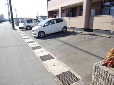 【駐車場】アクロス7122