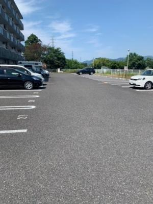 【駐車場】ビックシャイン