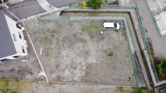車はかなりの台数が駐車可能です。
