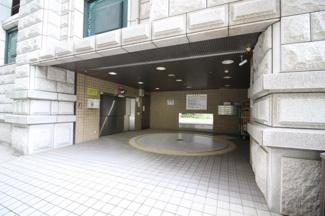 【駐車場】東成ビルディング