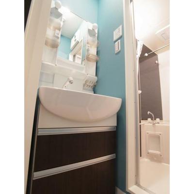 金太郎ヒルズ70の洗面台 別室参照