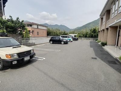 【駐車場】プライムカーサ