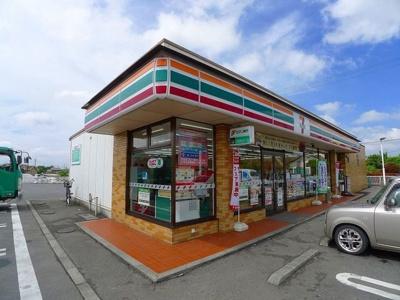 セブンイレブン太田市市場町店まで1000m