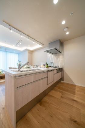シティタワー麻布十番:あると便利な食器洗浄機付きの対面式システムキッチンです!