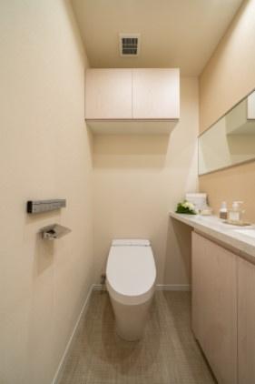 シティタワー麻布十番:ウォシュレット機能付きタンクレストイレです!