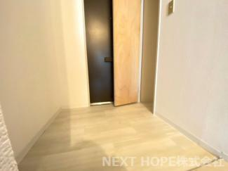 玄関には収納が設けられており、スッキリとした玄関を保てます!!