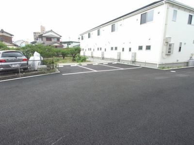 【駐車場】リーブルファイン新舞子1号棟