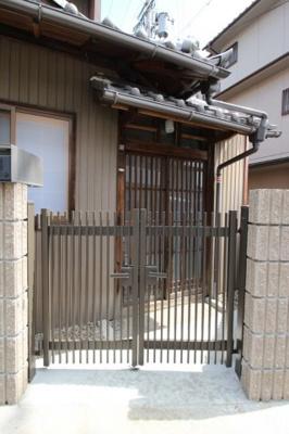 【玄関】紫野上野町貸家