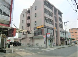 1階、2階はテナント。3階からは住居用(ワンルーム)です。