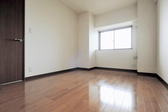 【洋室】エバーライフグランポート下関駅南壱番館 604号