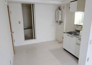 【居間・リビング】《S造11.62%☆》札幌市中央区南六条西15丁目一棟マンション