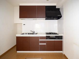 人工大理石天板使用システムキッチン
