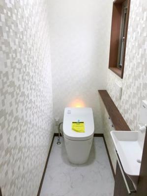 1階のトイレはタンクレストイレです♪タンクレストイレは空間が広く見えて、オシャレですね♪