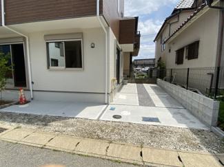 千葉市稲毛区稲毛 新築一戸建て 稲毛駅 カースペース1台分に加えて、駐輪スペースもございます。