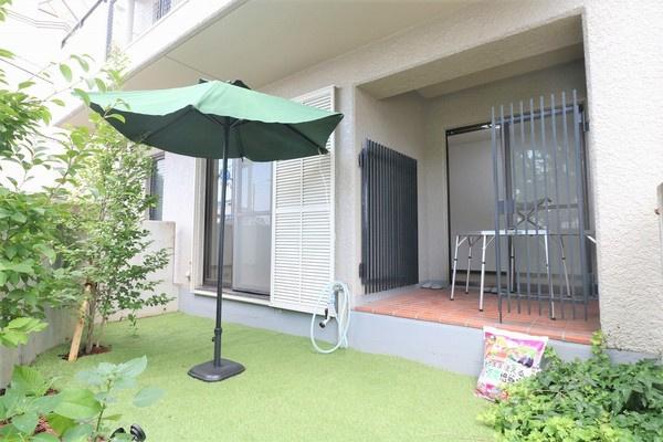【庭】 広々したお庭でBBQやお子様のプールなど楽しんで頂けます♪