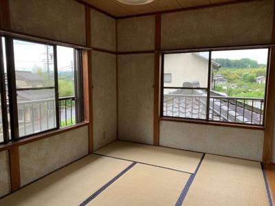 日当たりの良い二階の和室