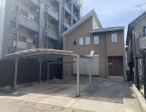 岐阜市六条東 中庭のある中古住宅 築20年のリフォーム済みです。お車並列3台可能!三里小学校まで6分の画像
