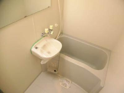 【浴室】アール四条大宮(旧:キャトルセゾン)