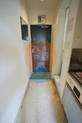 うれしいシューズボックス付きで玄関がスッキリしますね。