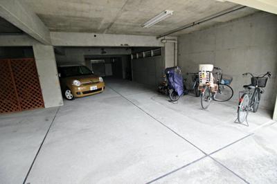 【駐車場】ラ・フォーレ